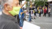 Una trentena de manifestants es van reunir a Caldes