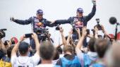 Lucas Cruz i Carlos Sainz celebrant la victòria